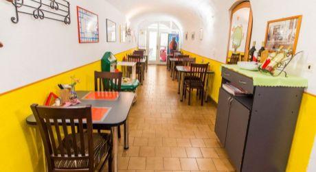 Prenájom Reštauračný/Obchodný priestor v centre Dolného Kubína