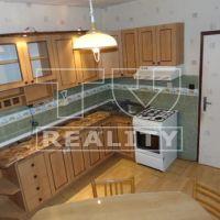 4 izbový byt, Topoľčany, 82 m², Čiastočná rekonštrukcia