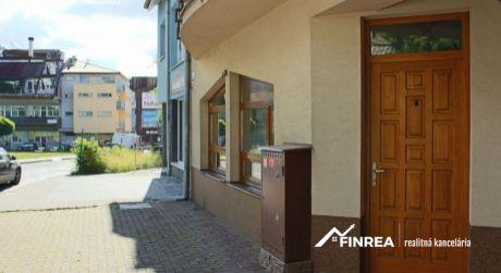 Prenájom priestorov vhodných na kanceláriu či obchod v centre mesta (29,5 m2)