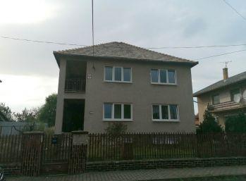 Poschodový rodinný dom Poltár