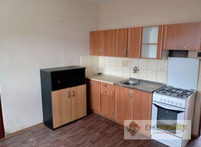3002 Na predaj 1 izbový byt v Nových Zámkoch