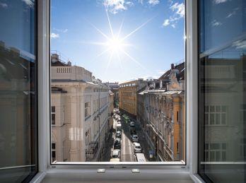 PROMINENT REAL predá 2 izbové nadštandardné apartmány v centre Bratislavy.
