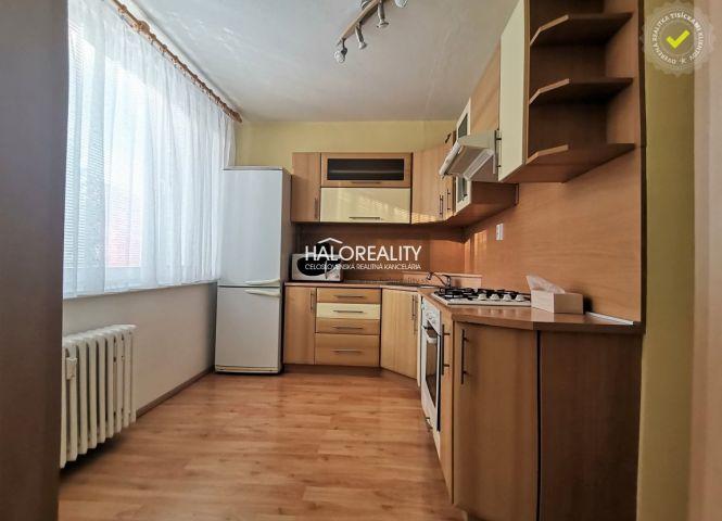 4 izbový byt - Handlová - Fotografia 1