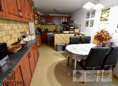 3004 Na predaj multifunkčný rodinný dom v Nových Zámkoch