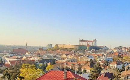 PRENÁJOM  5 izb byt s výhľadom na hrad vhodný na kancelárie Staré Mesto EXPIS REAL