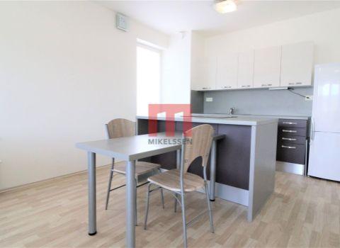 PRENAJATÝ - Na prenájom 2 izbový priestranný byt s veľkou loggiou v projekte SLNEČNICE