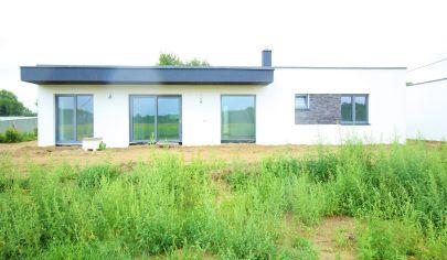 Moderný bungalov - Malé Leváre - priestranný pozemok - možnosť hneď bývať!!