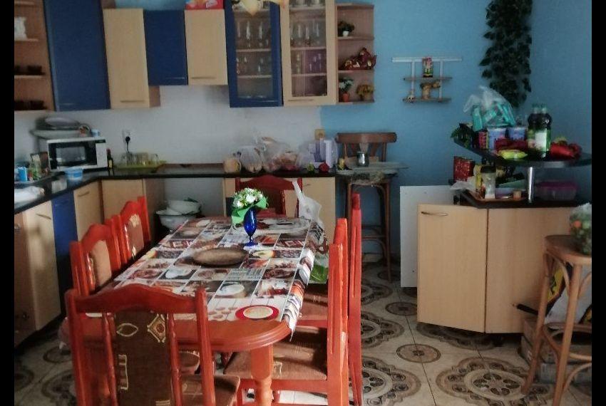 Predaj Rodinné domy Čata-1