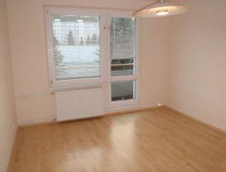 Zvolen, Sekier -  3,5 izbový byt s loggiou a balkónom, 89 m2 – prenájom
