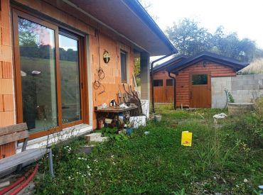 REZERVOVANÉ ** Na predaj rozostavaná novostavba bungalovu v stave holodom - Moravské Lieskové - časť Šance - polosamota **