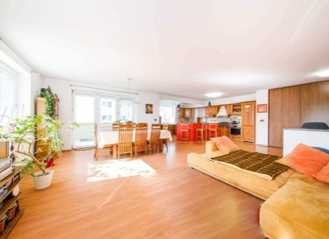 Na predaj veľkometrážny 4 izbový byt 157 m2 v tehlovej novostavbe v obľúbenej časti Podunajských Biskupíc
