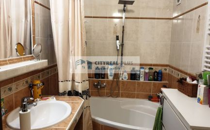 Predám pekný 3 izbový byt vo vyhľadávanej lokalite Komárno