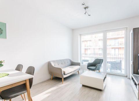 REZERVOVANÝ - Na predaj príjemný 2 izbový byt v projekte SLNEČNICE VILADOMY