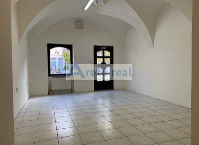 ARETÉ REAL - PRENÁJOM 314 m2 OBCHODNÉHO PRIESTORU V PRIAMOM CENTRE MESTA PEZINOK, HOLUBYHO