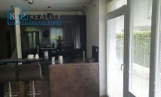 Na predaj zariadený 2 izbový byt Bratislava-Záhorská Bystrica, Ota Holúska