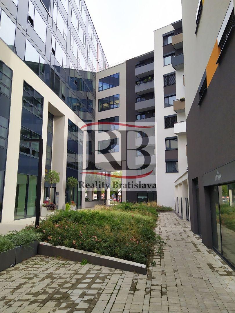 3-izbový byt-Predaj-Bratislava - mestská časť Staré Mesto-333000.00 €