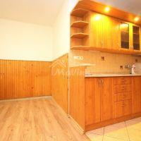 4 izbový byt, Bánovce nad Bebravou, 82 m², Čiastočná rekonštrukcia