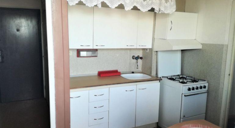 REZERVOVANÉ...Exkluzívne na predaj 1i byt v pôvodnom stave -Bánovce n/B, Centrum s balkónom