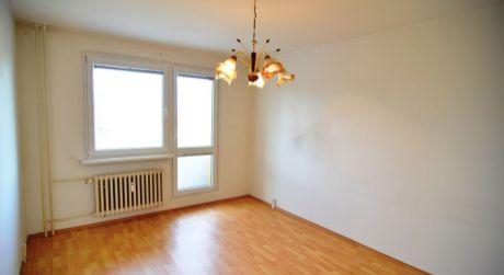 Na predaj 2 izbový byt, Poprad, ulica Suchoňova, s balkónom
