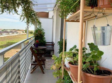 KOMPLETNE ZARIADENÝ 3i byt s balkónom vrátane park. státia