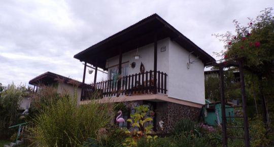 Na predaj murovaná chata so záhradou 335 m2 Prievidza 70138