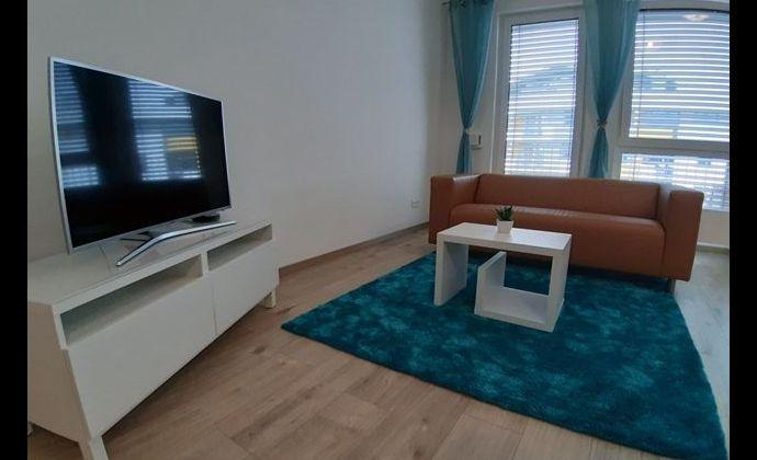 Zariadený 1i. byt s balkónom a garážovým státím, Ružinov -ulica Mlynské Nivy