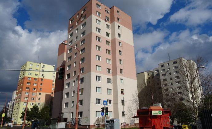 3 izbový byt, prerobený z 2 izbového v Dúbravke, Saratovská ulica