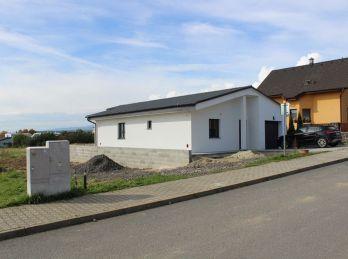 Na predaj bungalov s garážou v obci Veľká Lomnica, pozemok 775 m2