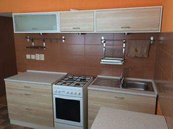 Prenájom pekný zrekonštruovaný a zariadený 2.izb. byt v Nitre - spodná časť Klokočiny