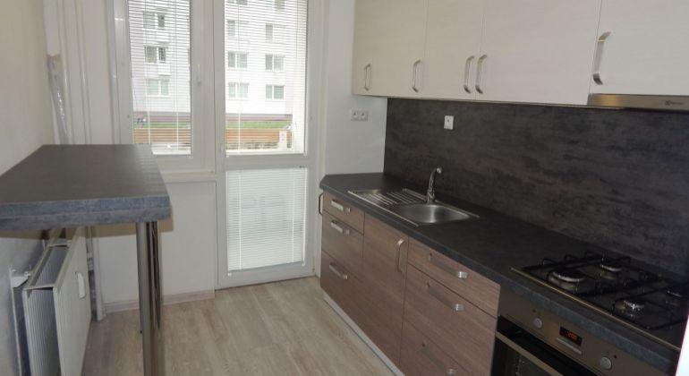 Na Predaj 2-izbový  byt 50 m2, Žiar nad Hronom, Etapa