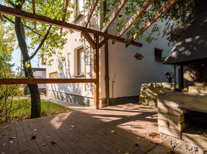 MOZARTOVA, 6-i dom, 241 m2 - POZEMOK 414 m2, tiché prostredie, blízkosť centra, VÝHĽAD NA ZÁPAD SLNKA