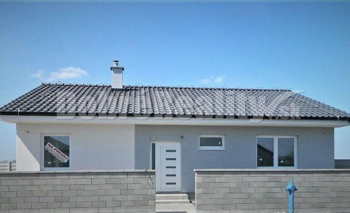 Novostavba - bungalov v príjemnej lokalite