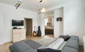 Na predaj 3 izbový byt Staré sídlisko v Prievidzi, 65 m², prízemie/2.p., Ul. B. Bjőrnsona