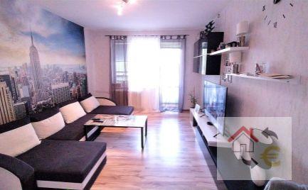 Ponúkame na predaj 2 izbový byt na Sídlisku III, na začiatku Prostejovskej ulice, pôvodný upravený stav