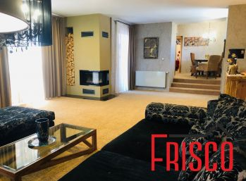 Predáme rodinný dom s veľkým pozemkom v lukratívnej lokalite v Seredi