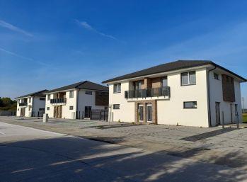 3 izbový byt s dvoma parkovacími miestami v meste Dunajská Streda