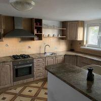 Rodinný dom, Pernek, 292 m², Kompletná rekonštrukcia