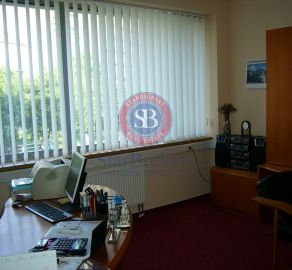 StarBrokers- PRENÁJOM: Reprezentatívna kancelária 22,5 m2, klíma, Košická ul.