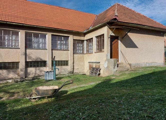Rodinný dom - Podzámčok - Fotografia 1
