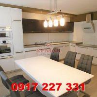 4 izbový byt, Banská Bystrica, 128 m², Kompletná rekonštrukcia