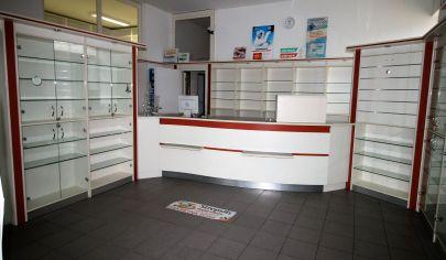 PREDAJ -  Exkluzívne obchodné priestory 115m2 – lekáreň - zdravotnícke zariadenie, obchod, služby, bývanie - BA IV.TOP PONUKA!