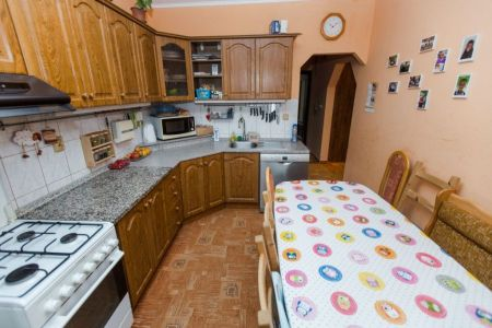 IMPEREAL - predaj 4 izbový  byt , Znievska ul., Petržalka, Bratislava V.