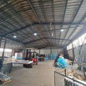 Exkluzívne u nás. Ponúkame na predaj skladové a výrobné priestory neďaleko mesta Púchov.