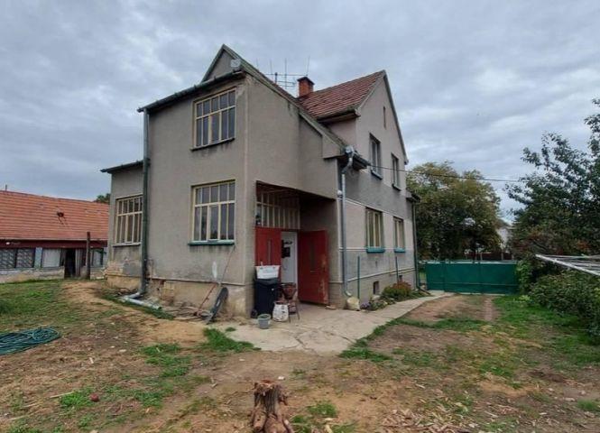 Rodinný dom - Jasová - Fotografia 1