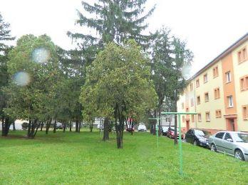 Predáme väčší 2-izbový byt v Seredi