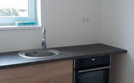Na predaj  nový  3 izbový  byt   pozemkom aj terasou  blízko Levice!