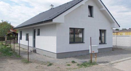 Novostavba rodinného domu v Malackách