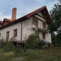 Rodinný dom, Vinné, 1207 m², Novostavba