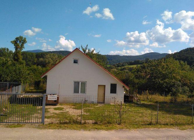 chata - Trenčianske Stankovce - Fotografia 1
