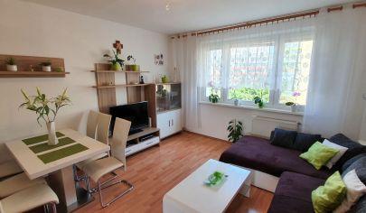 Na predaj krásny 4 izbový byt ul. Šášovská BA Petržalka osemposchodová bytovka